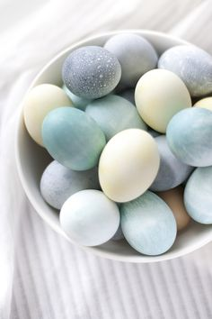 natural dyes for easter eggs you can make yourself