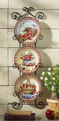 Decoration with apples and grapes on pinterest apple kitchen decor apple decorations and - Decorating with plates in kitchen ...