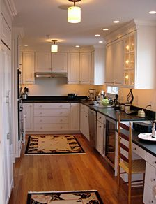 GAlleY KiTcHeN MaKeOvEr On Pinterest Galley Kitchens Small Galley Kitchens