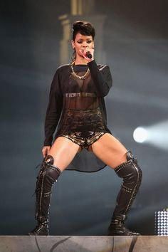 #Rihanna - Rihanna Performs in Sydney 2nd Oct 2013 °\(^▼^)/°