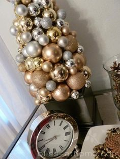 New Years and holiday silver and gold