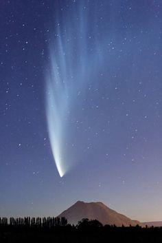 Comet-McNaught #Aerospace #Comet #Science