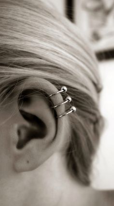 I really want to do this on my left ear. I already have 1 piercing. But OMG the healing time is such a bitch.