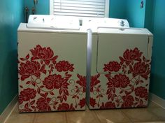 Flocked Flower Block Decal looks stunning on a plain washer & dryer set!   #washer #dryer #laundry #room #decor #DIY #decal #decals #walldecals #flower