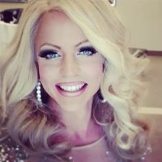 Courtney Act.  Gorg!  She's quickly becoming one of my all time fave drag queens.  Love her.