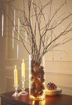 Fall and winter living room decor ideas.. Use for Jesse tree?
