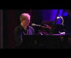 We are the thieves, de Wim Mertens (al piano)