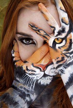 Tiger Hands - Face Paint Illusion - Lara Hawker - NZ