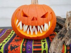 20 DIY Pumpkins Carving and Decor Ideas for Halloween