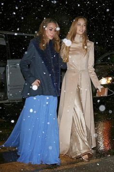 Capas e casacos para noivas de inverno | O blog da Maria. #casamento #vestidos #convidadas #famosas #TatianaSantoDomingo #BeatriceBorromeo