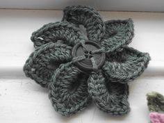 crochet flowers, crocodile stitch flower, craft, button flowers, crocodil stitch, crochet flower patterns, crochets flower pattern, crochet patterns, easy crochet flower pattern