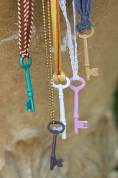 Maize Hutton: Enameled Vintage Keys DIY
