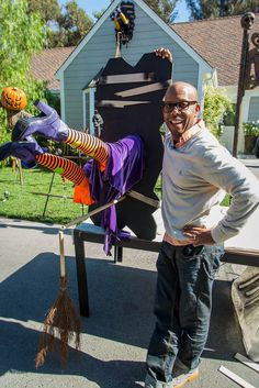 @kennethwingard makes a Crashed Witch Halloween Decoration on #homeandfamily! Tune in weekdays at 10/9c on Hallmark Channel!