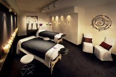 The Westin New York - An on-site spa provides massage and other pampering treatments will help you unwind in the privacy in your own rooms. One of the many great hotels from Guestmob's Broadway - Time Square 4 stars collection.