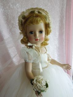 """MIB 17"""" Madame Alexander Wendy Bride Never Played With"""