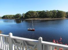 Bufflehead Cove Inn: Another view from the porch