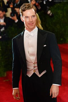 Benedict Cumberbatch - QQ's best dressed male at Met Gala 2014 - he is now shown as an example in Wikipedia under White Tie