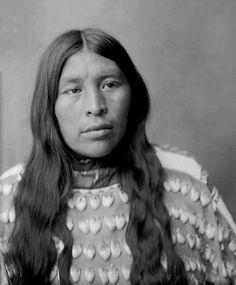 Wichita Anadarko Indian woman, Oklahoma. Photo: before 1912. - The Wichita people are a confederation of Plains Indians. Historically they spoke the Wichita language, a Caddoan language. They are indigenous to Kansas, Oklahoma, and Texas. Today the four Wichita tribes, the Waco, Taovaya, Tawakoni, and Wichita proper, are federally recognized with the Kichai people as the Wichita and Affiliated Tribes (Wichita, Keechi, Waco and Tawakonie).