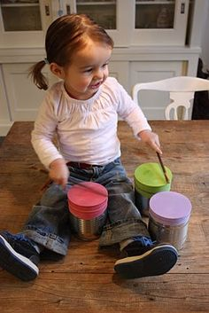 #DIY drums - tin can, balloon, easy craft makes homemade drums! by  orangefarmhouse.nl (my girl is growing up way too fast!)