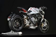 A departure from our usual fare, but an interesting machine in its own right: the brand-spanking-new MV Agusta Brutale 800 Dragster. Check out the hi-res gallery on our Google+ page at https://plus.google.com/u/1/b/101554244823678290874/101554244823678290874/posts/UVXKXZwLZYX