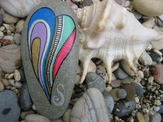Paper+weight+painted+stone+5022+from+Serenitsa+by+DaWanda.com