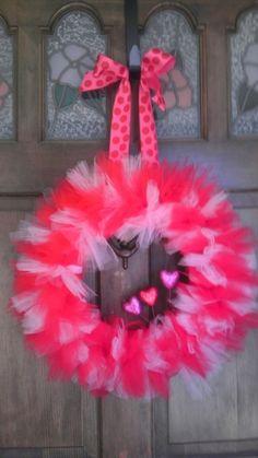 Valentine's Day tulle wreath @Lauren Davison Bresnock by joanne