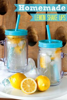 Homemade Lemon Shake Up Recipe -- if you love the lemonade shake ups at the fair, you will adore this super simple homemade lemon shake up recipe!