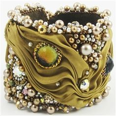 bracelet, beadwork, bead embroideri, sherri serafini, shibori ribbon