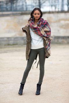 Oversized tartan scarf, utility jacket, white sweater, skinny jeans, ankle boots. Paris Fashion Week, Street style.