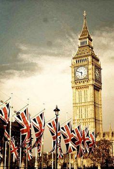 Big Ben, London, England (45 photos): big ben with british flags