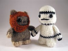 I HAVE TO MAKE THESE!  PDFs of Star Wars Mini Amigurumi Patterns