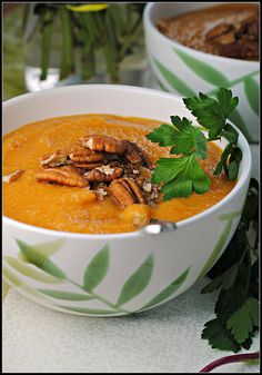 I bet the chipotle is fabulous in this. Sweet Potato Apple and Chipotle Soup is perfect for Phase 1 of the #FastMetabolismDiet if you skip the oil.