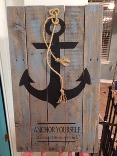 anchor painted on  pallet boards