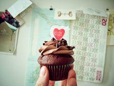 valentine chocolate cupcake.