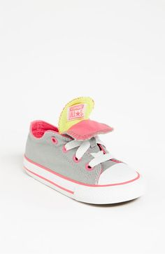 tiny converse. oh my heart!