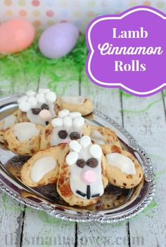 Super cute lamp cinnamon rolls for Easter! #easter #breakfast