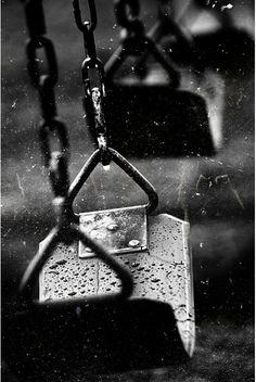 rain   mood   magic   nature   childhood   daydream   swing   seat   wet   peaceful   www.republicofyou.com.au