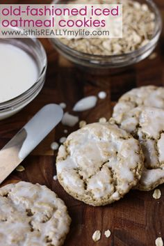 Old-fashioned iced oatmeal cookies -- just like Mother's iced oatmeal cookies but a hundred times better! #recipe #cookie #dessert | isthisREALLYmylif...