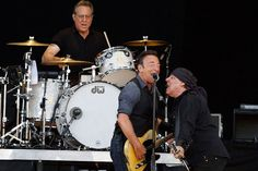 Bruce Springsteen covers a Beatles classic as he closes Isle Of Wight Festival 2012