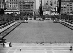 1937: Looking west toward Sixth Avenue, the Bryant Park lawn of the 1930s was bordered by curved hedges. Photo by New York City Parks Photo Archive.