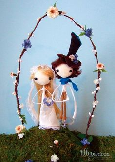 wedding cake topper couple! i would LOVE this!