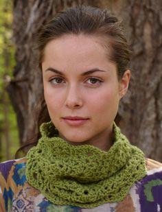 frees scalloped cowl crochet pattern
