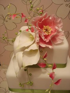 fairy cakes, peoni cake, fairi cakeri, calla lily cake, peoni spray, cake flowers, lili spray, calla lilli, cake toppers