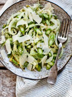 Asparagus & Fennel Salad by yummysupper #Salad #Asparagus #Fennel #Healthy