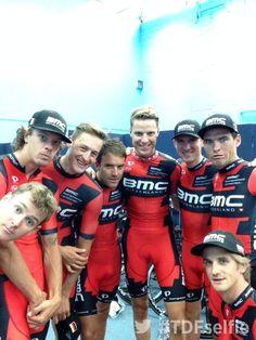 Le Tour de France @letour #TDFselfie with @BMCProTeam @elpumaDarwin @MBurghardt83 @amaelmoinard @Daniel87Oss @tejay_van @petervelits pic.twitter.com/Hh3OojaiOC