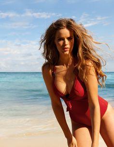 Australian model Robyn Lawley