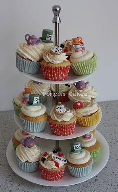 alice in wonderland tea party theme cupcakes