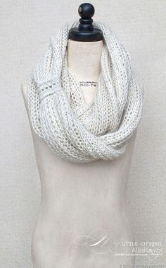 Meringue Hand Knitted Cowl Free Pattern for Kids and Adults: My Little City Girl