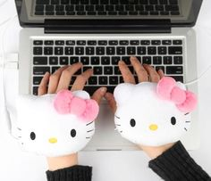 Hello Kitty USB Handwarmers: Pink Bow