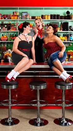 City Chic Pin Up : Plus Size : Fashion : Model